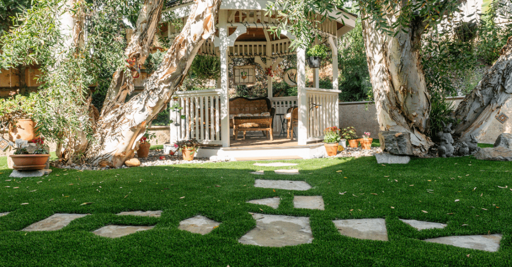 Yard with US Turf artificial grass