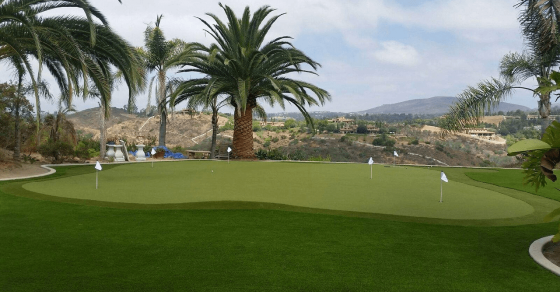 Artificial turf putting green in San Diego